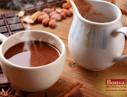 Chocolate caliente y galletas MiniBon, el complemento perfecto